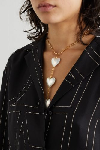 Five Ways To Wear A Pearl Necklace